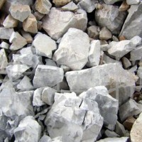 大量出售白云石石子。氧化镁19.84氧化钙29.8二氧化硅4.88,现货5万吨