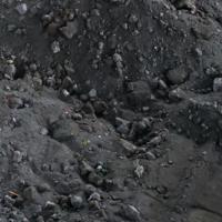 反射炉出来的渣料,锑20多度,银近2000克,金6克,现货有200吨,铜有5度